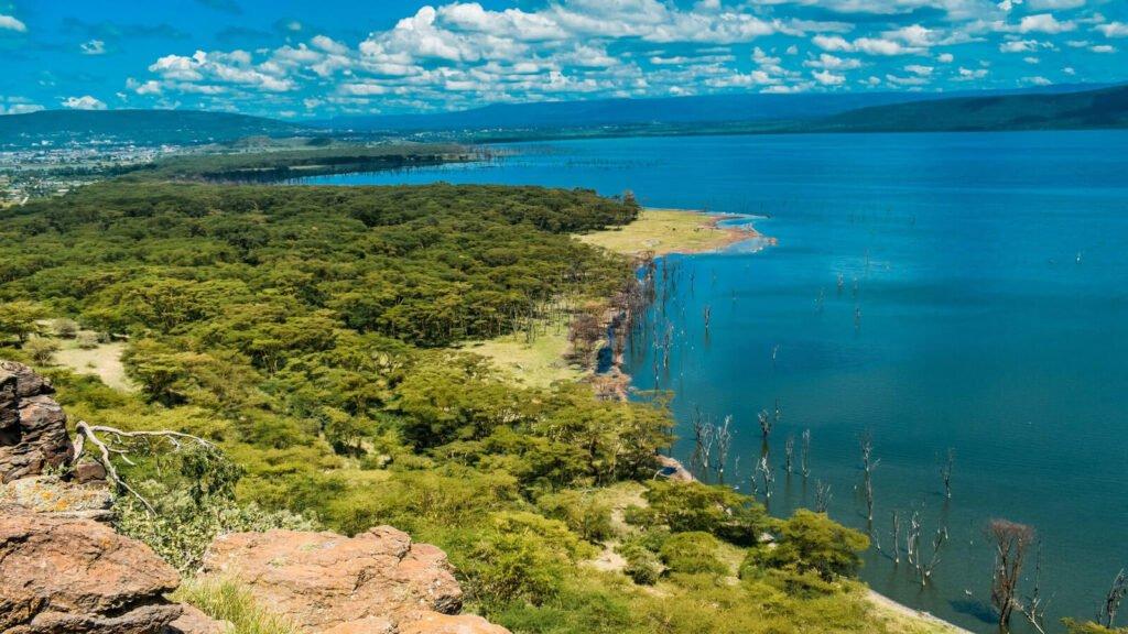 Lake Nakuru – Wildlife, Best Time to Visit and More