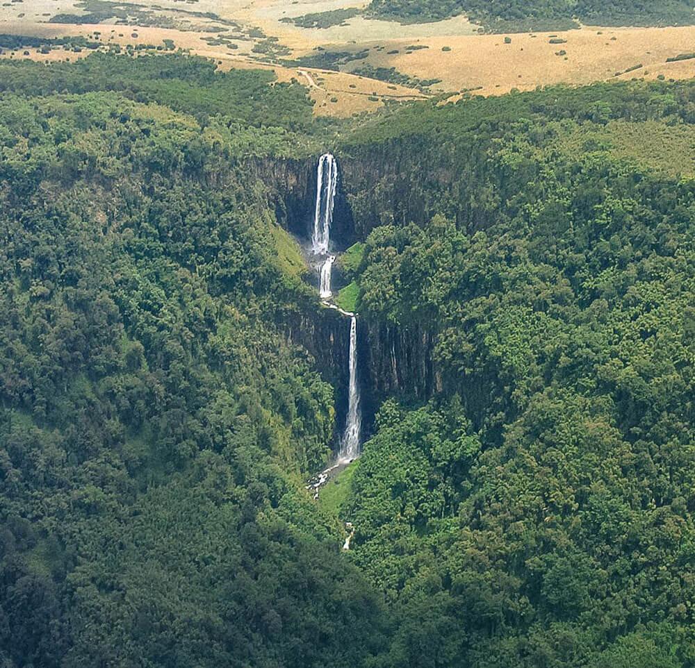 Karuru Falls - Waterfalls in Kenya